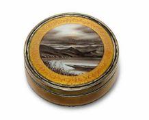 DoseFrankreich, Anfang 20. Jh. Silber, allseitig guillochiert, Seiten und Deckel mit honigfarbenem