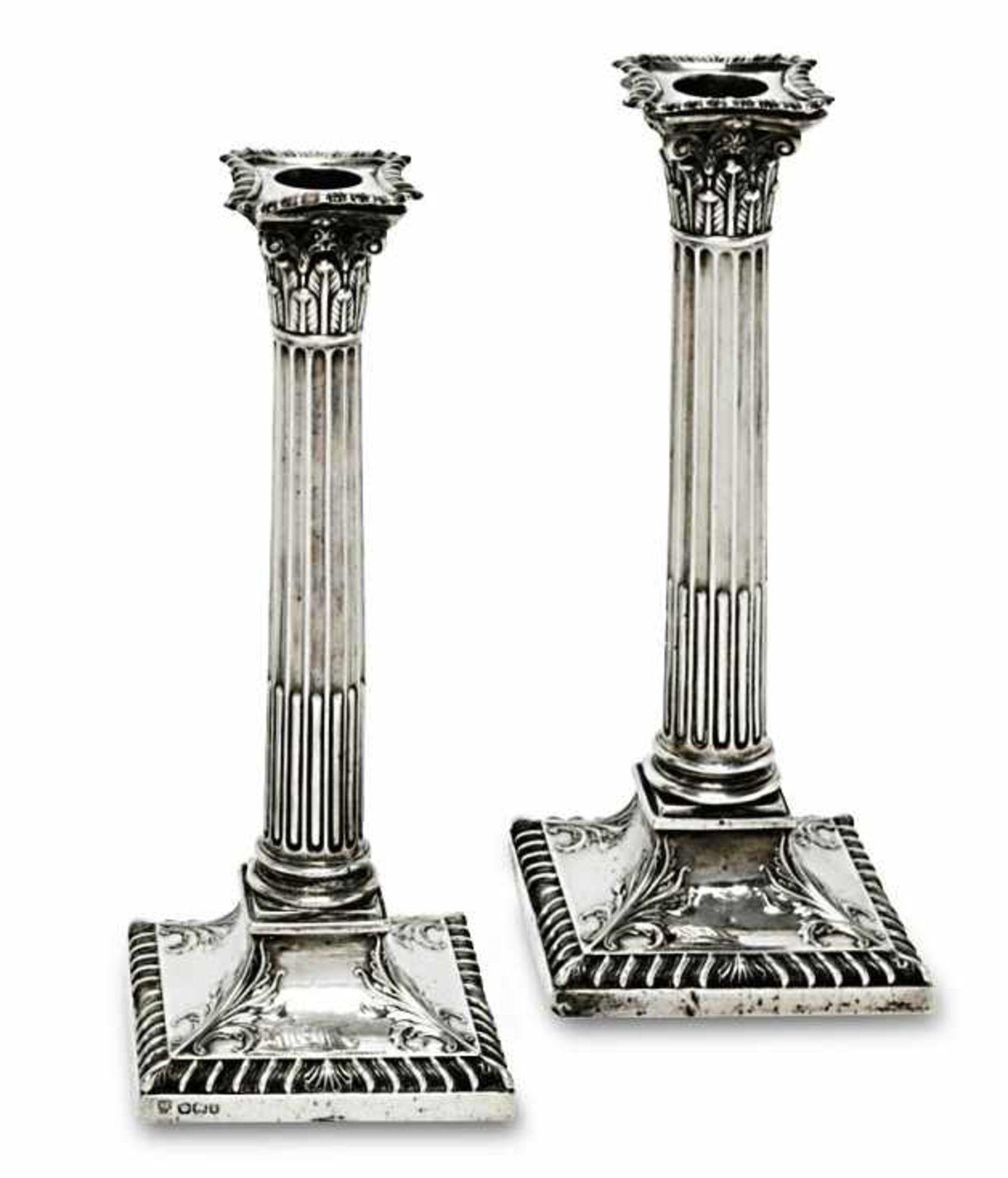 Ein Paar Silberleuchter