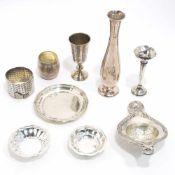 Neun Teile KleinsilberRussland, Deutschland u.a. Silber. Verschiedene Formen, Dekore und Marken (