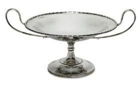 TazzaLondon, 1911/1912, Elkington & Co Ltd.Silber. Auf rundem, leicht hoch gewölbtem Stand