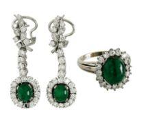 Ring und ein Paar Ohrringe