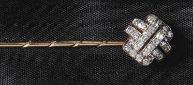 Art-Déco-ReversnadelUm 1930Stilisierter Blütenkopf, besetzt mit acht Saphiren von zus. ca. 0,16 ct