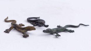 Drei EidechsenWohl Österreich, 19. Jh.Vollplastische Figuren. Bronze mit unterschiedlicher Patina.