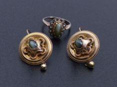 Paar Ohrhänger und Ring mit Katzenauge