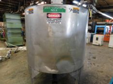 Stainless Steel Tank, 56.5 inches Diameter, 48.5 inches Height, Agitator/Mixer, Discharge Side and
