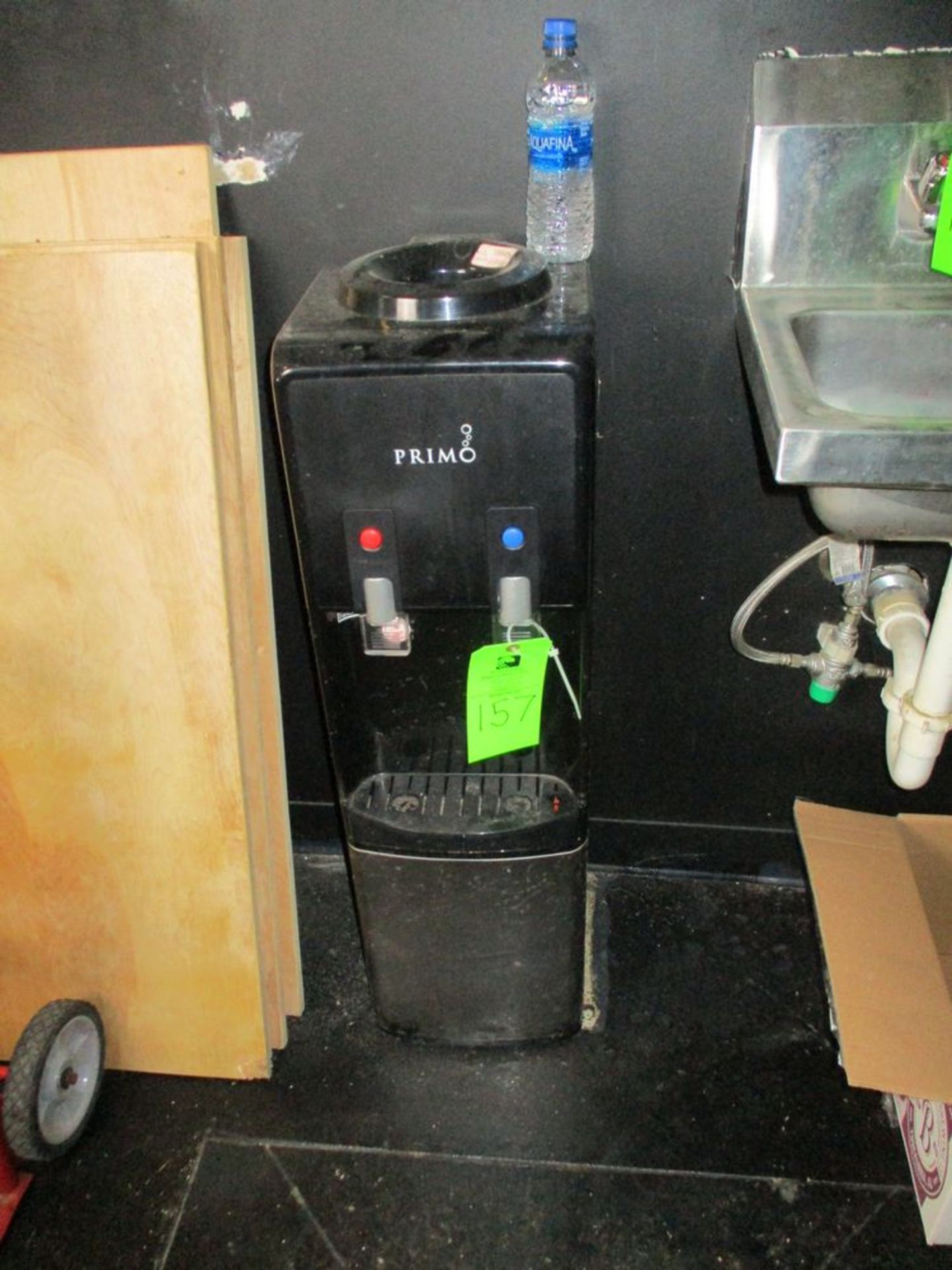 Primo chill water dispenser ***Auctioneer Note*** -- $20 Removal & Loading Fee will be applied to