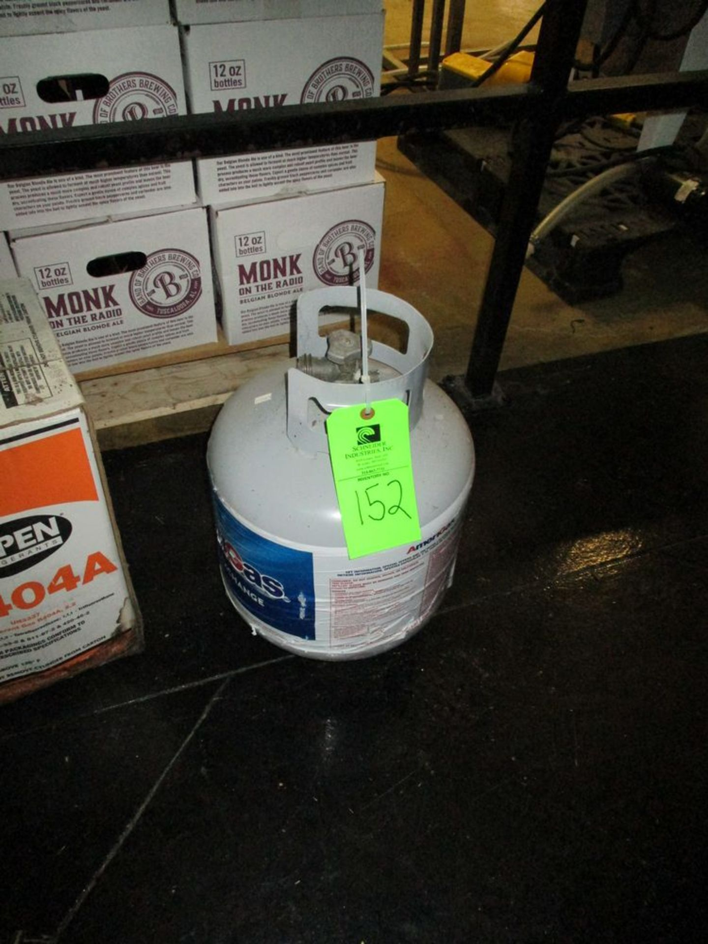 New 20 lbs propane tank, empty ***Auctioneer Note*** -- $10 Removal & Loading Fee will be applied to