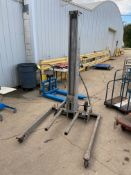 Genie SuperLift, Max Capacity 650 lb (Located in Oelwein, IA) (Rigging & Loading: $25)