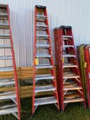 Ladder, 10', (Rigging & Loading: $25) (Located in Oelwein, IA)