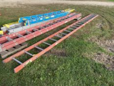 Ladder, 20', (Rigging & Loading: $25) (Located in Oelwein, IA)