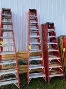 Ladder, 10 ', (Rigging & Loading: $25) (Located in Oelwein, IA)