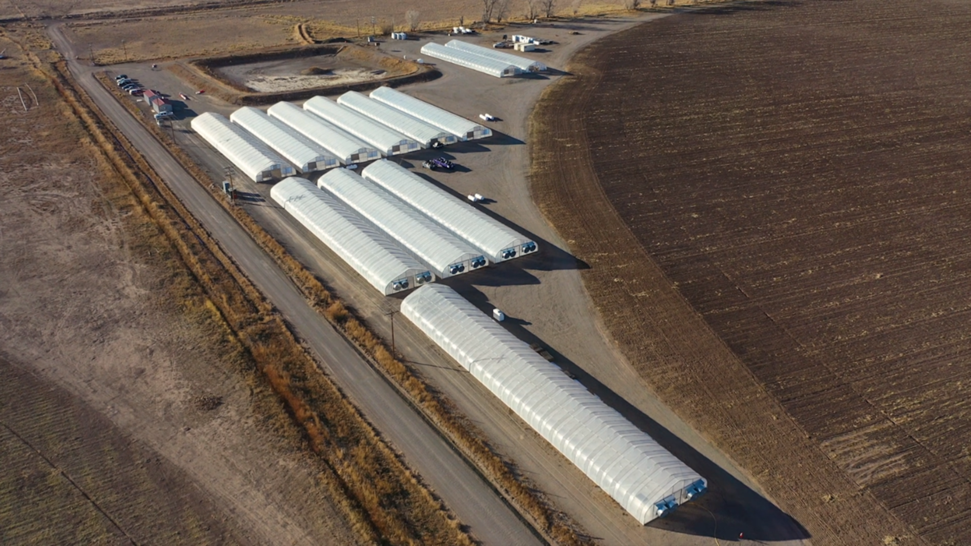 Scenic Acres Greenhouse Mfg Greenhouse w/ Four Exhaust Fans and Two Heaters, 34' x 200' gothic hoop - Image 3 of 7