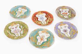 6 Zierteller, NymphenburgUm 1900. Porzellan, reliefiert und durchbrochen, floraler Jugendstil-