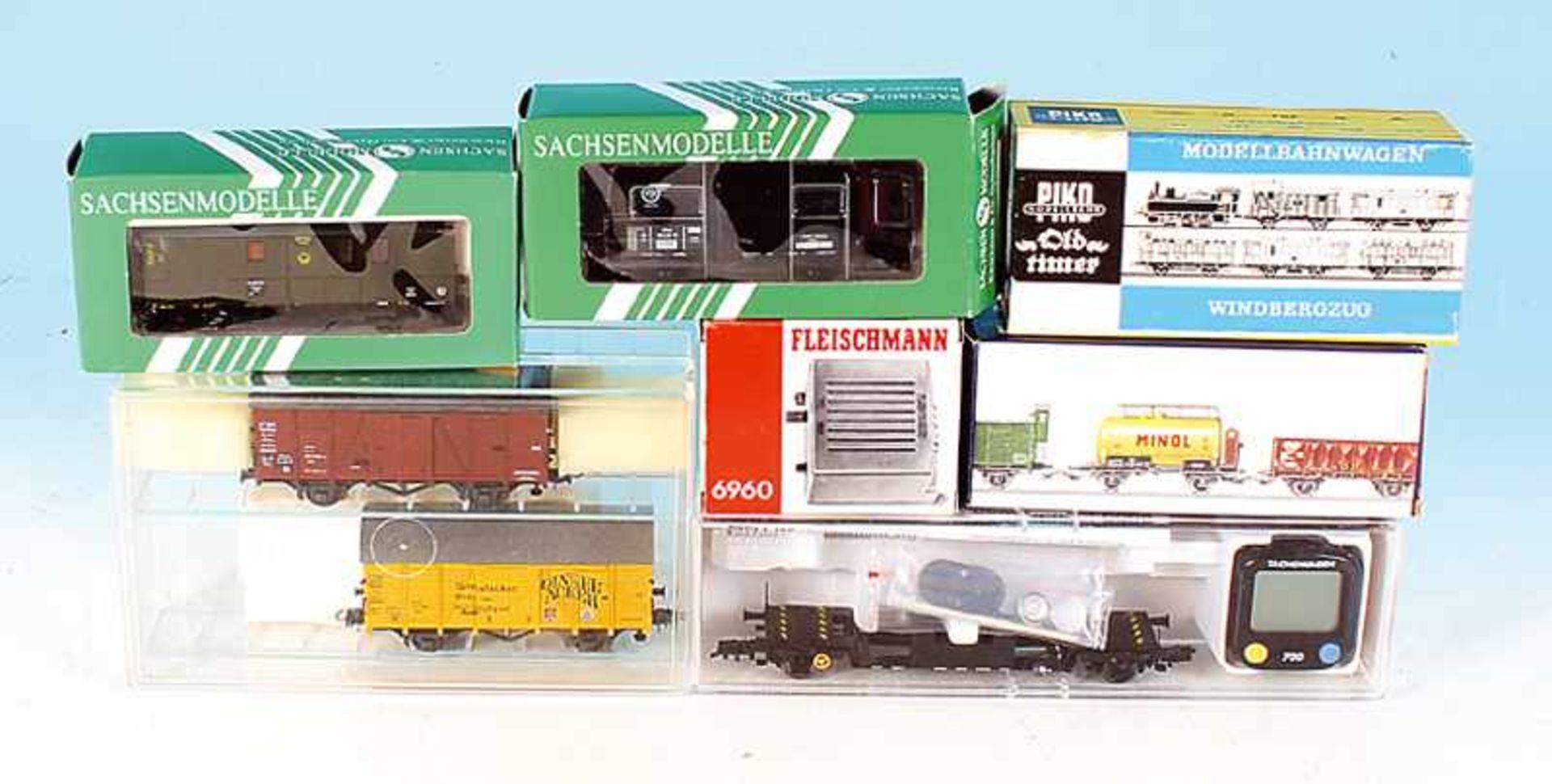 Los 46 - Konvolut Güter- und Personenwagen