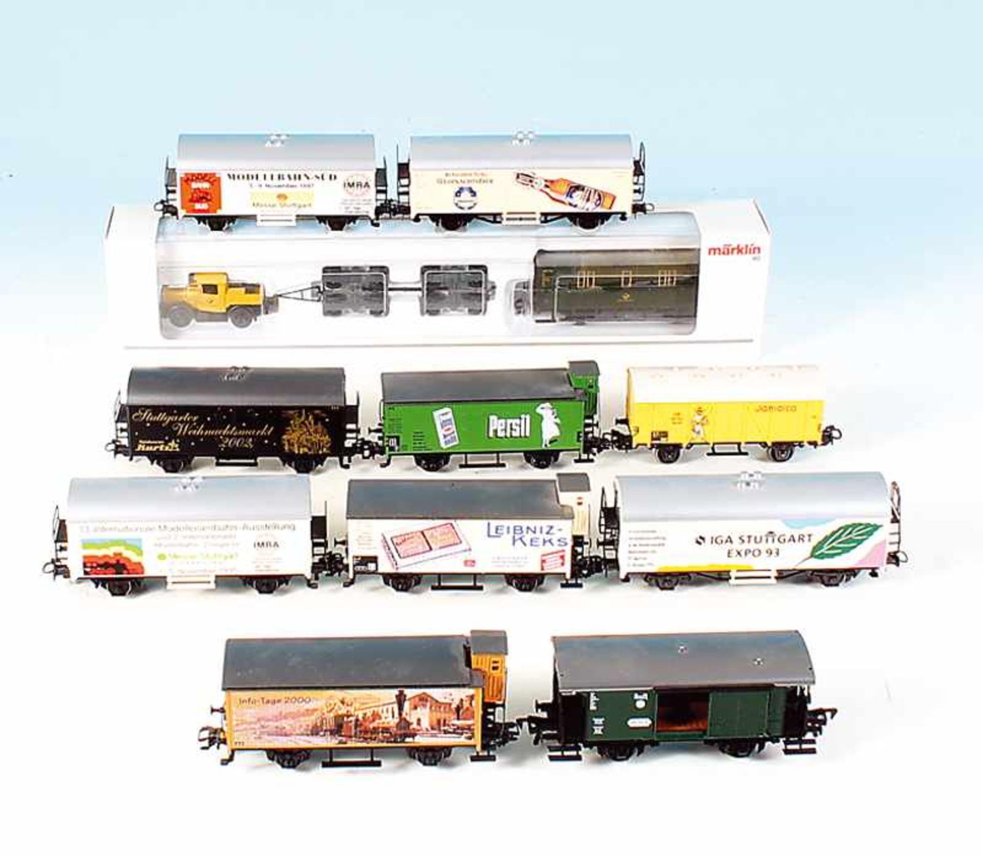 11 Güterwagen