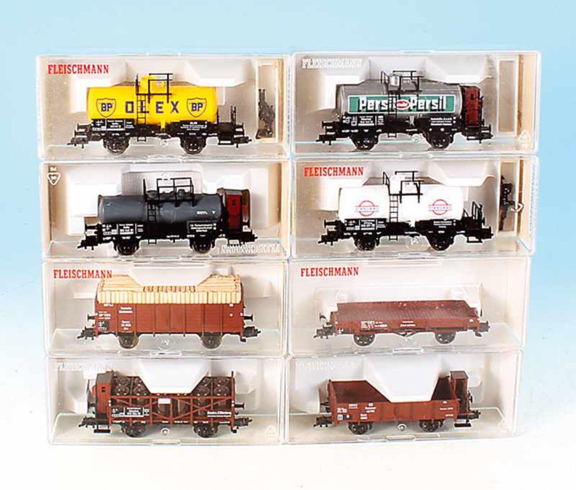 Los 44 - 8 FLEISCHMANN Güterwagen