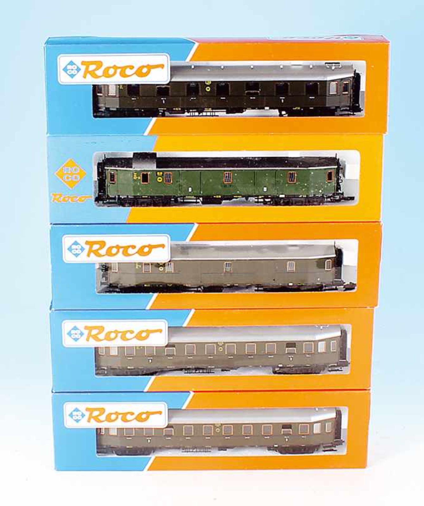 Los 51 - 5 ROCO Personen- und Packwagen