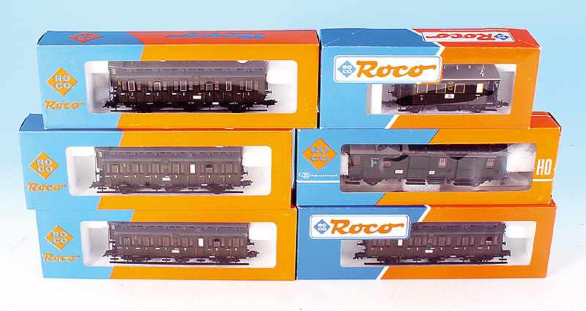 Los 48 - 6 ROCO Personen- und Packwagen