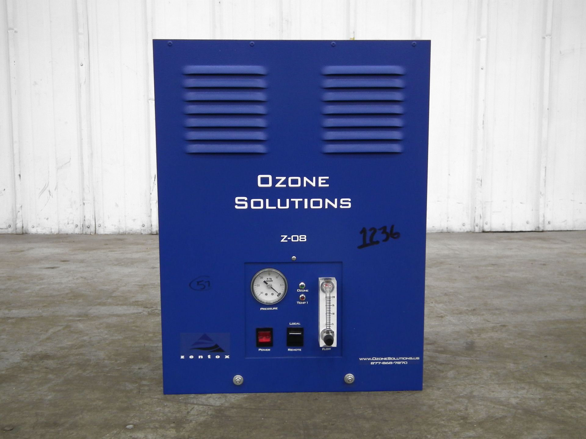 Lot 242 - Zentox Z-08 Indoor Air Purification System B5678