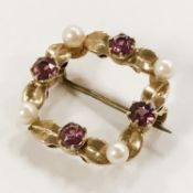 9CT GOLD BROOCH WITH SEED PEARLS & RUBIES