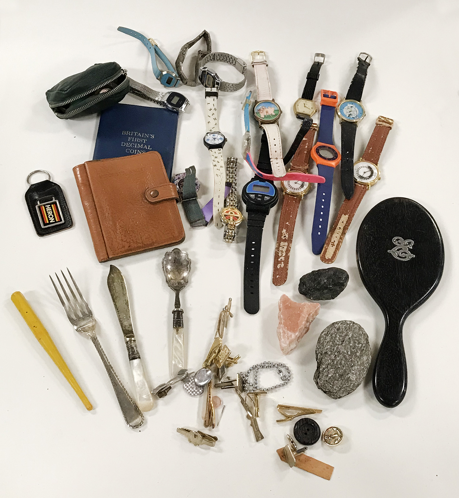 COLLECTION OF WATCHES ETC