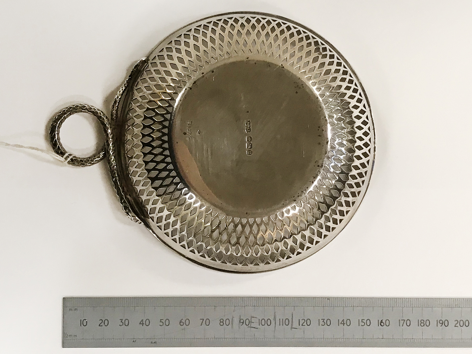 HM SILVER FRETWORK BOWL WITH 5 HM SILVER NAPKIN RINGS - Image 3 of 8