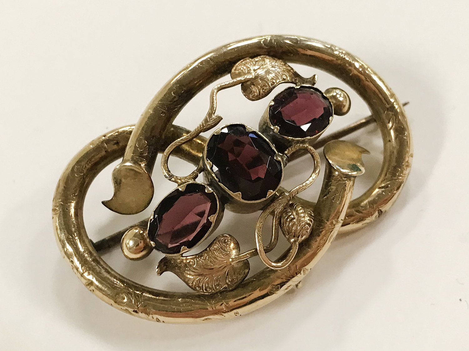 TWO ANTIQUE PIN BROOCHES - Image 3 of 5