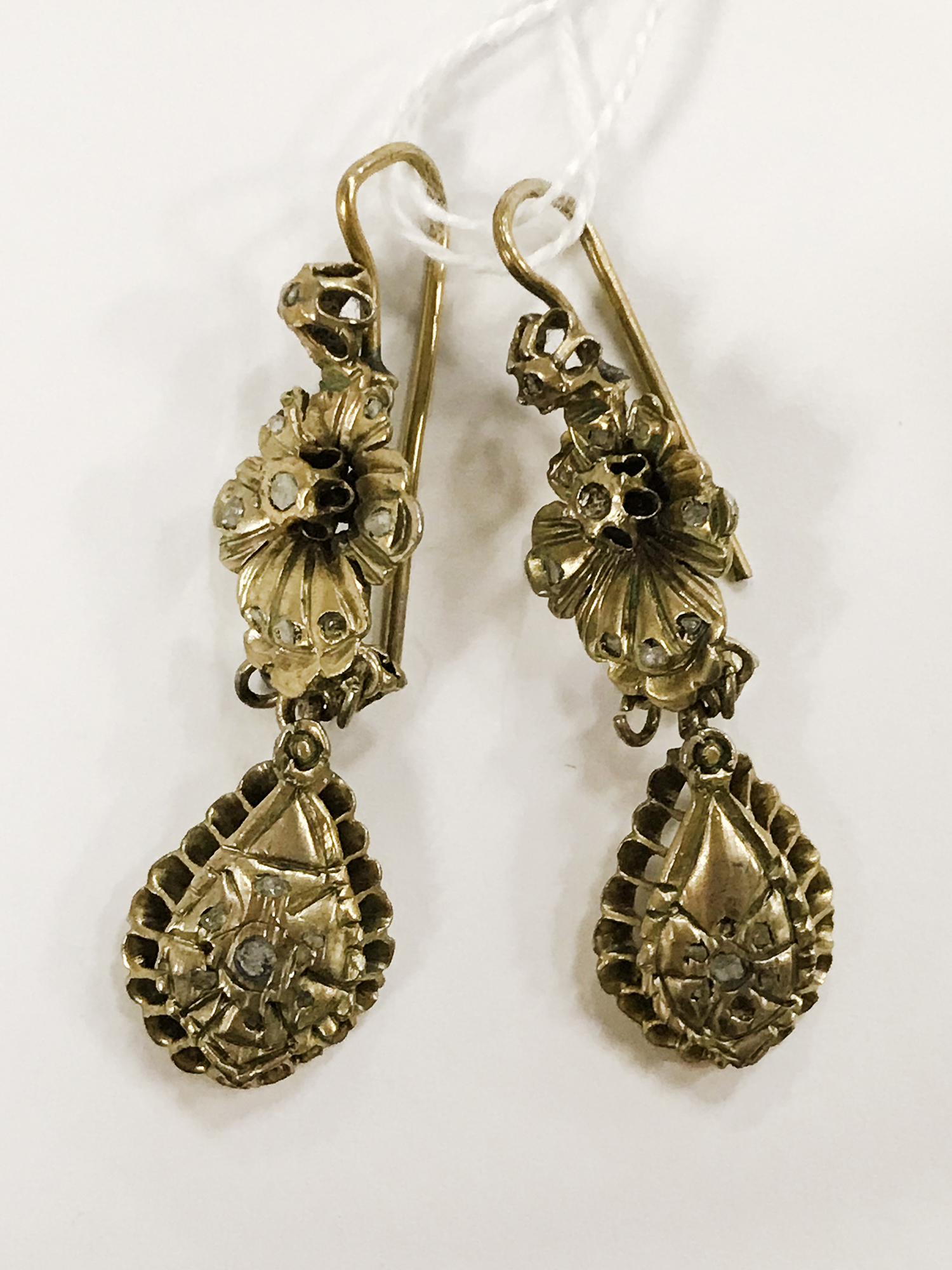 ANTIQUE EARRINGS WITH DIAMONDS