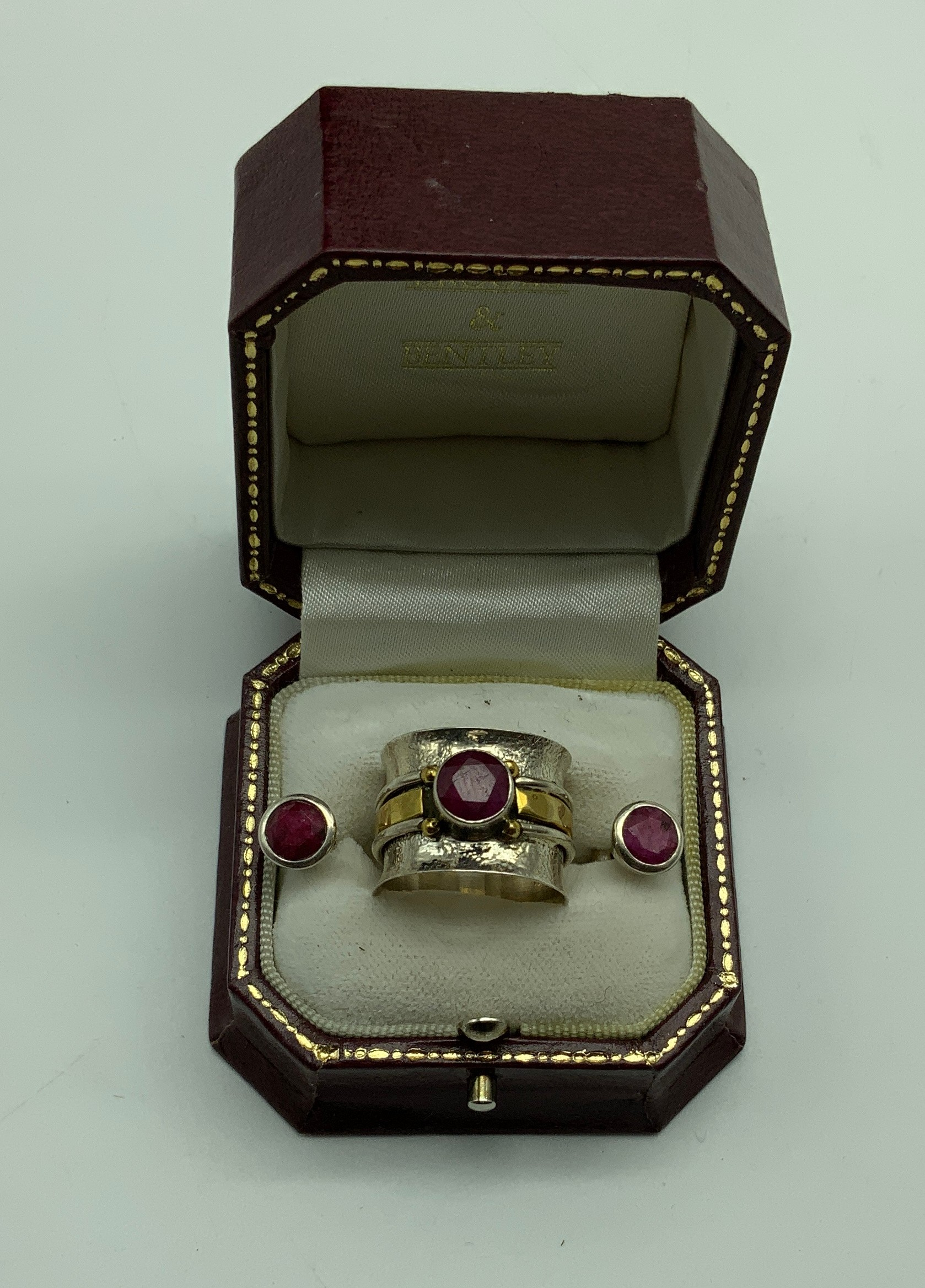 Sterling silver ring hallmarked 925 with Raw Ruby gemstone in the center approx 1ct