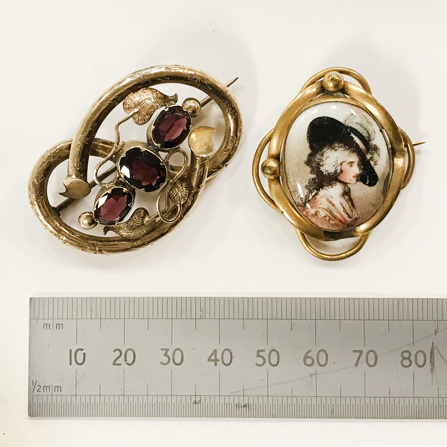 TWO ANTIQUE PIN BROOCHES - Image 2 of 5