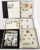 4 ALBUMS OF COMMONWEALTH STAMPS - MINT - BIRDS