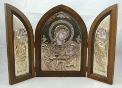 An Italian silver triptych, post 1999, by 336 Florence, depicting the Madonna and Child, flanked