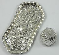 A Victorian silver pin cushion, by Rosenthal, Jacob & Co., for Child & Child, London 1881, stamped