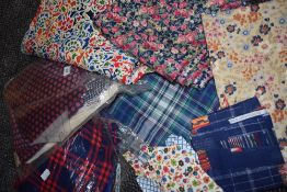 A mixed lot of fabric, modern and vintage with some good sized pieces amongst the lot.