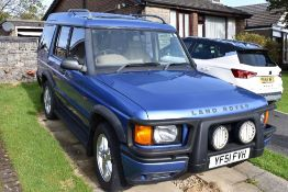 A vintage Land Rover Discovery TD5 ES Auto, YF51FVH, MOT'd until 26th November 2020. With some