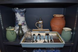 A selection of Oneida craft cutlery in box and similar kitchen ceramics