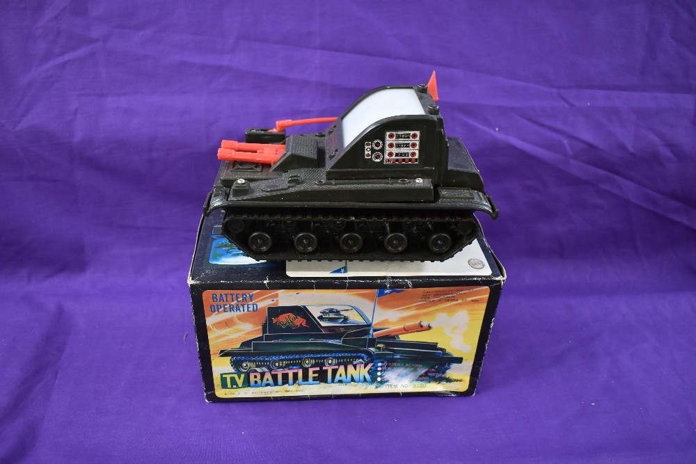 A Chen Jea Toys, made in Taiwan, battery operated and plastic TV Battle Tank, having mystery action,