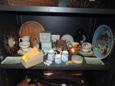 A mixed lot of items including blue and white jugs with gilt edging, a handheld sewing machine,