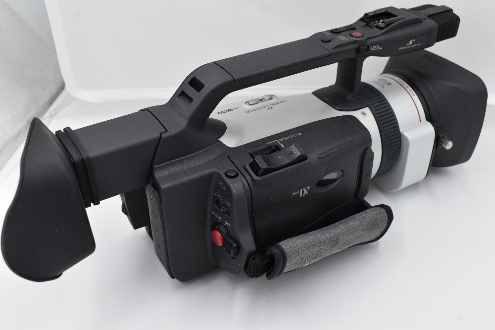 A Canon XM2 3CCD digital camcorder with Canon Fluorite 20 lens, and Canon Wide Converter WD-50, - Image 2 of 4