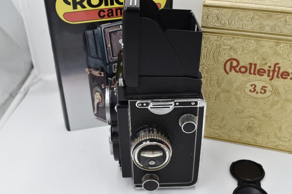 A Franke & Heidecke Rolleiflex 3,5E Type 1 reflex camera. No1780414 with Carl Zeiss Planer 1:3,5 - Image 2 of 6