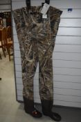 Pro logic chest waders real tree max 5 size 42/43 nylo stretch,unused with tags.