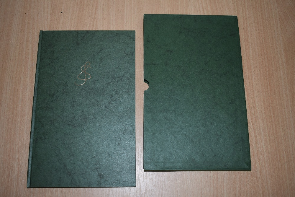 Poetry. Sassoon, Siegfried - An Octave. 1966. Limited edition, no.98/350. Papered boards in matching