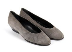 GIORGIO ARMANI SUEDE DECOLLETE 80s A grey suede decolleté. General Conditions grading B/C (signs