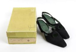 SYBILLA POR FARRUTX SUEDE SHOES Early 90s Black suede shoes, comma heel, size 38, original Box.