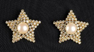 HELIETTA CARACCIOLO CLIP EARRINGS Late 70s / Early 80s Gilded metal star shape clip earrings,