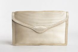 GUCCI SILK POCHETTE 50s Ivory silk pochette General Conditions grading B/C (signs of wear)