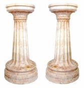 PAIRE D'IMPORTANTES COLONNES, ITALIE 19ème SIECLEEn marbre rose, le fût cannelé s'ouvrant e