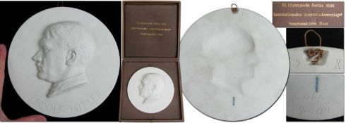 Olympic Games Berlin 1936 Plaque of Honour - Large plaque of honour made of bisque firing fine china
