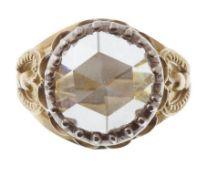 Sortija solitario con diamante de talla redonda rosa de ff. S. XVIII- pp. S. XIX