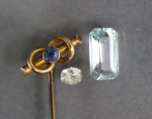 An un-mounted aquamarine of rectangular cut, approx. 1.4 carats; an un-mounted brilliant-cut